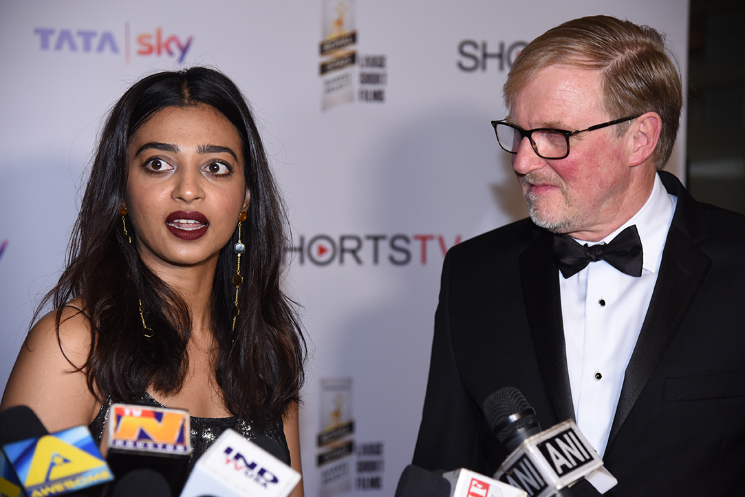 Radhika Apte and Carter Pilcher
